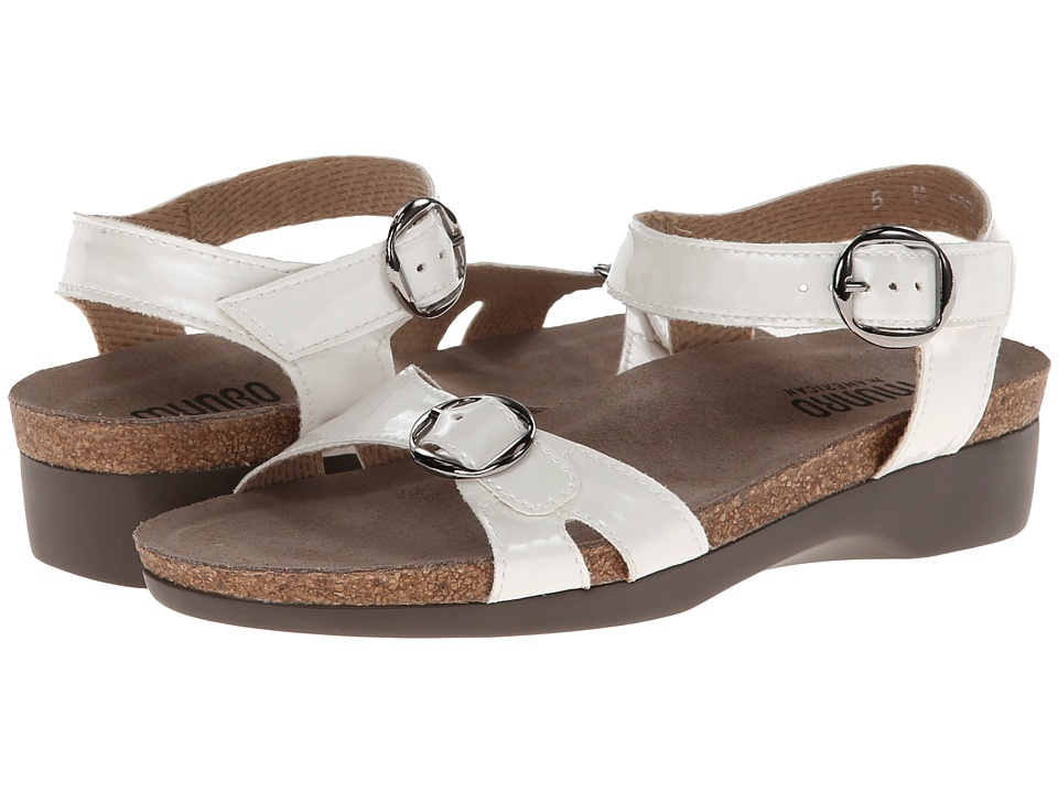 Munro American - Donna (Soft White Patent) Women's Wedge Shoes