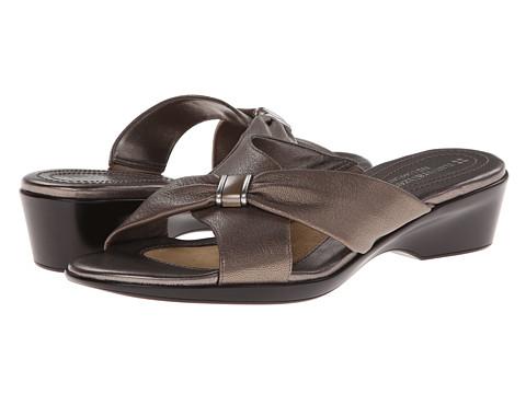 Naturalizer - Ellery (Silver Metallic) Women's Dress Sandals
