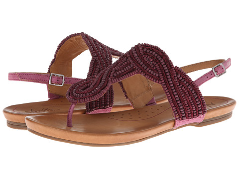 Naya - Crane (Night Fuchsia Leather/Wood Beads) Women's Sandals