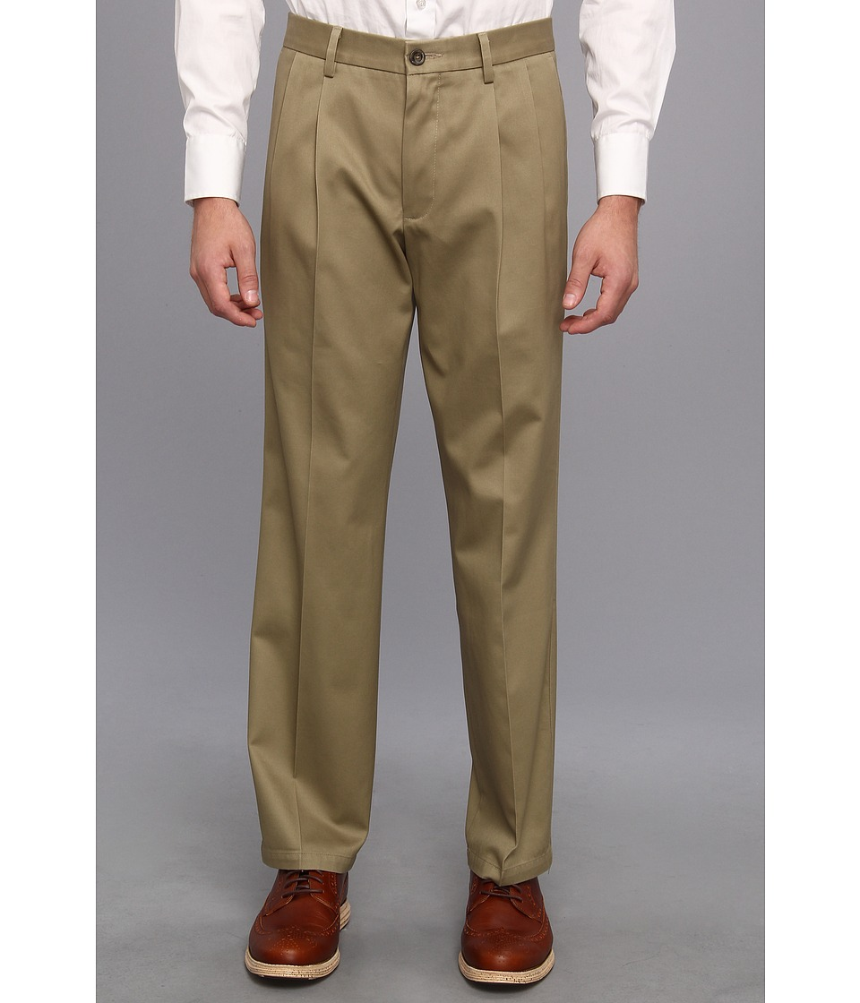 Dockers Men's - Signature Khaki D2 Straight Fit Pleated (Dark Khaki) Men's Casual Pants