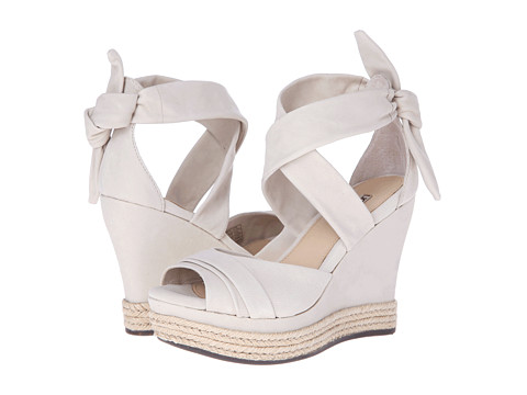 UGG - Lucy (Nude Nubuck) Women's Wedge Shoes