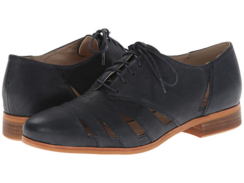 Clarks - Hotel Image (Navy Leather) Women's Lace up casual Shoes