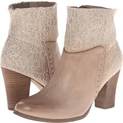 GUESS Sana (Grey Multi Fabric) Footwear