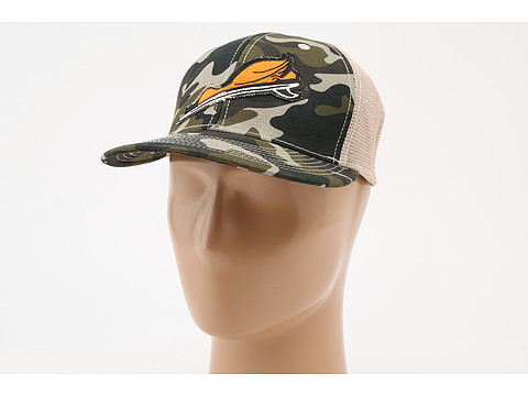 Toes on the Nose - Duck Dive Trucker Hat (Camo) Caps