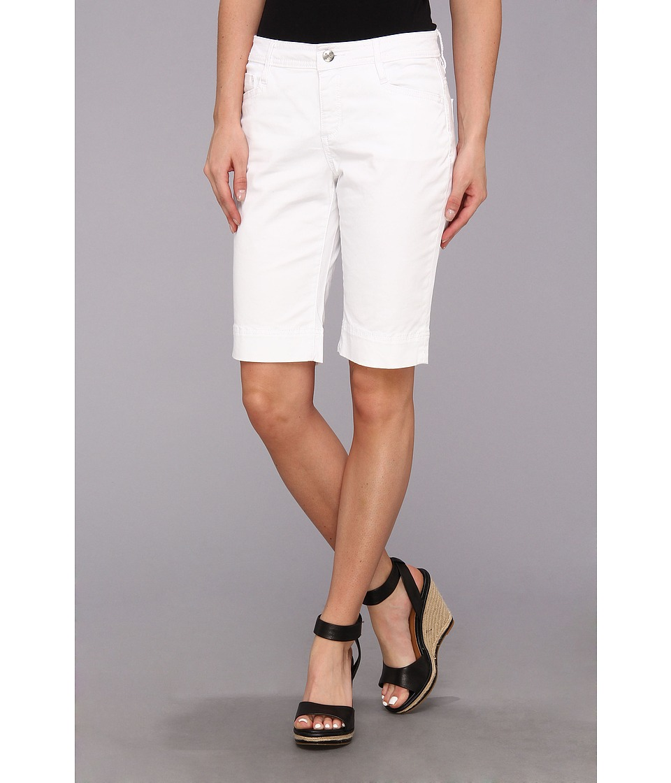 Christopher Blue - Betty Short in Newport Twill (White) Women's Shorts
