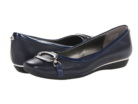 Bandolino - No Limits (Navy Leather) Women's Flat Shoes