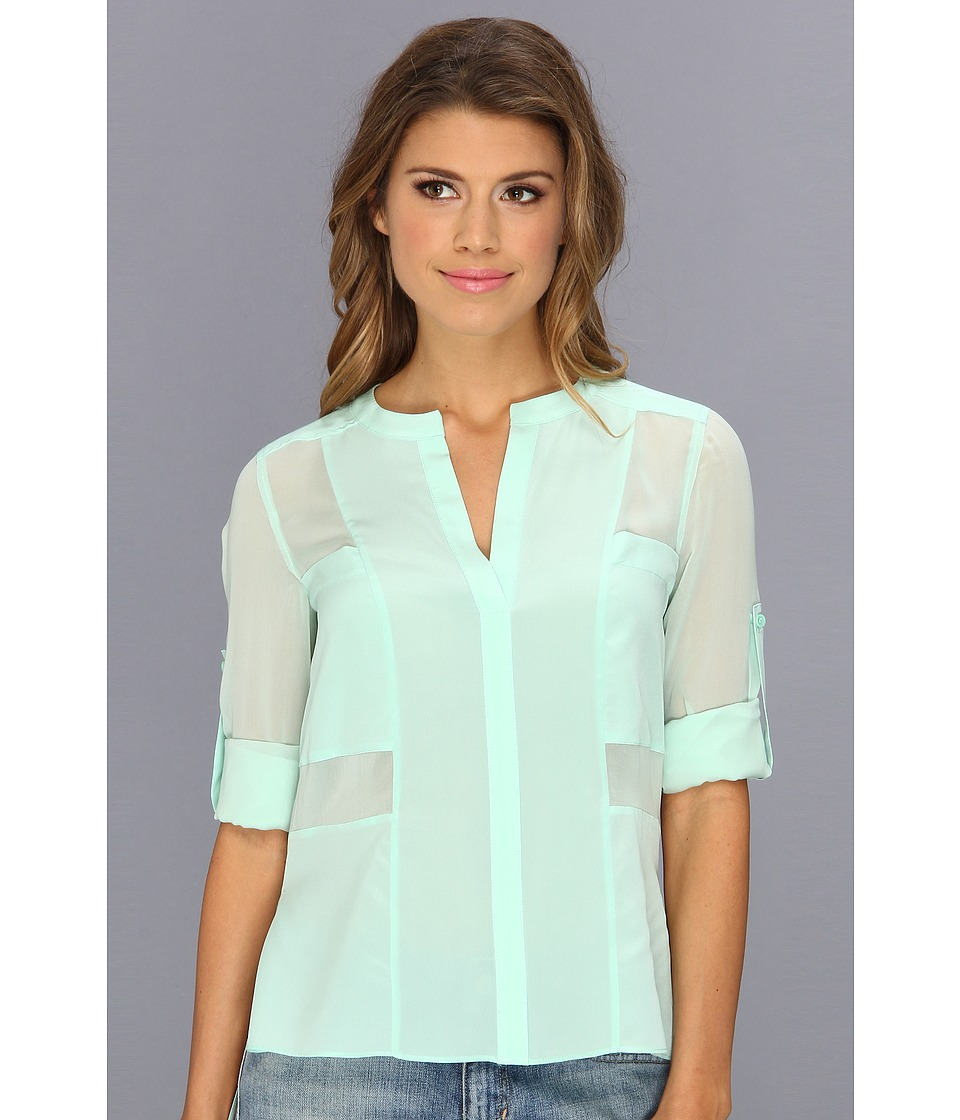 BCBGMAXAZRIA - Gael V-Neck Woven Blouse (Mint) Women