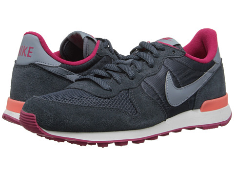 Nike - Internationalist (Dark Magnet Grey/Fuchsia Force/Bright Mango/Magnet Grey) Women's Shoes