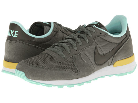Nike - Internationalist (Iron Green/Gold Lead/Medium Mint/Cargo Khaki) Women's Shoes