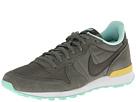 Nike Style 629684-300