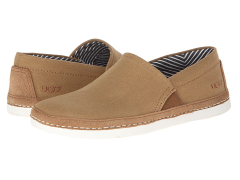 UGG - Reefton Canvas (Chestnut) Men's Slip on Shoes