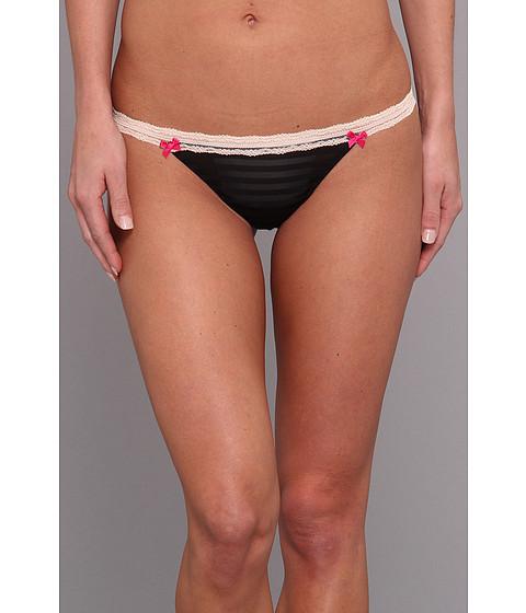 Betsey Johnson - Stripe Hype Thong 722705 (Black) Women