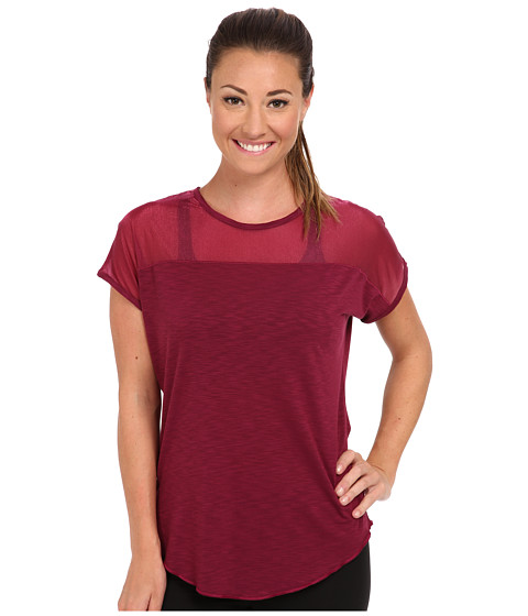 Moving Comfort - Metro Tee (Crimson) Women
