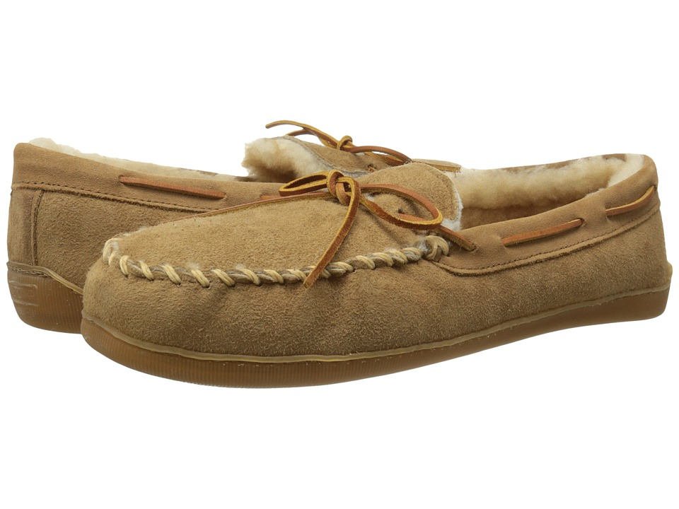 Minnetonka - Sheepskin Hardsole Moccasin (Golden Tan) Men's Slippers