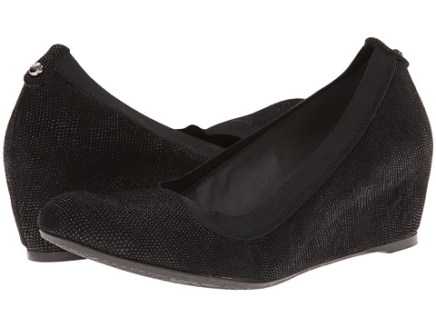 Stuart Weitzman - Squooze (Black Goose Bump Nappa) Women's Wedge Shoes