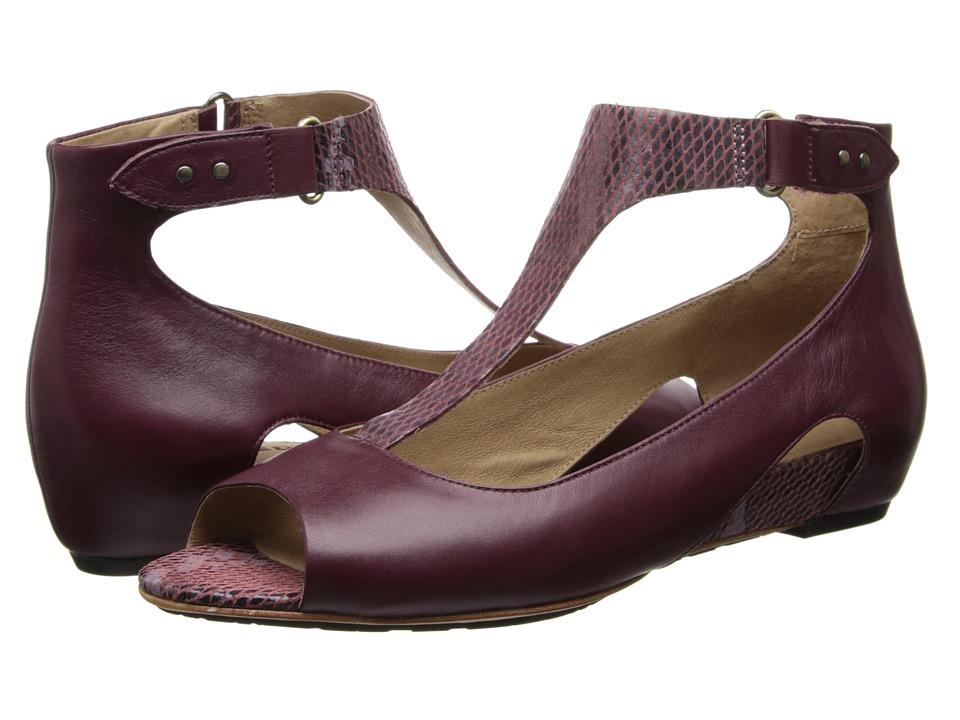 Tsubo - Gerri Snake (Sangria Suede) Women's Sandals