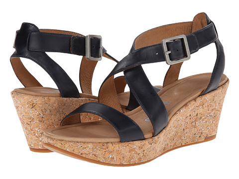 Tsubo - Olivette (Dark Navy Leather) Women's Sandals