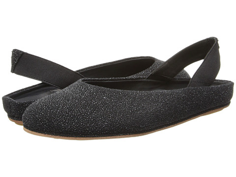 Gentle Souls - Gretchen (Black Textured Leather) Women's Slip on Shoes
