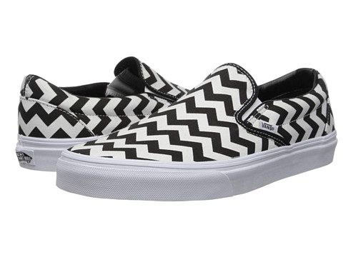 Vans - Classic Slip-On ((Chevron) Black/White) Skate Shoes