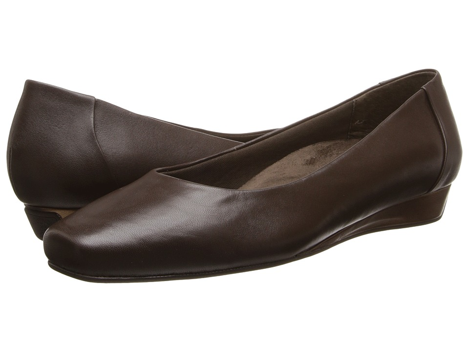 VIONIC - Sonoma Low Wedge Pump (Dark Brown) Women's Shoes