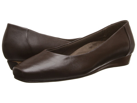 VIONIC with Orthaheel Technology - Sonoma Low Wedge Pump (Dark Brown) Women