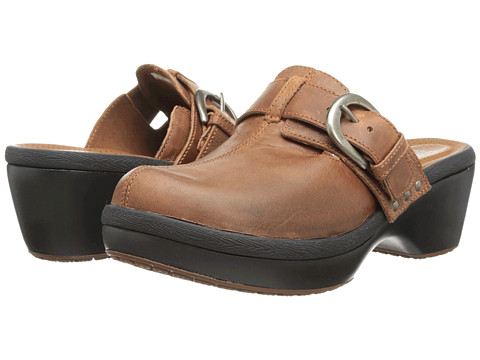 Crocs - Cobbler Buckle Clog (Cinnamon/Mahogany) Women's Clog Shoes