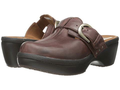 Crocs - Cobbler Buckle Clog (Mahogany/Black) Women's Clog Shoes