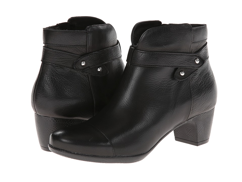 SoftWalk - Ivanhoe (Black Tumbled Leather) Women's Zip Boots