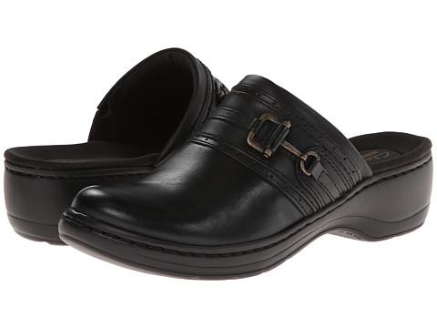 Clarks - Hayla Merle (Black Leather) Women's Slip on Shoes
