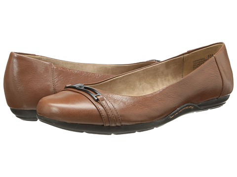 Easy Spirit - Pantano (Medium Brown) Women's Shoes