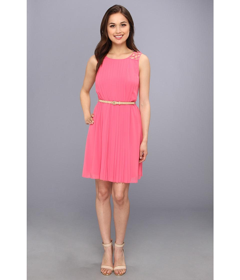 Jessica Simpson - Sleeveless Pleated Dress With Deep V Back (Camellia Rose) Women's Dress