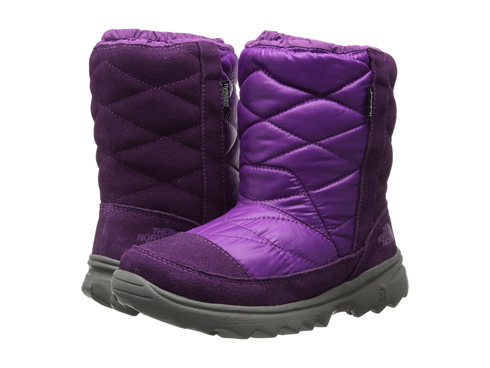 The North Face Kids - Winter Camp Water Proof (Little Kid/Big Kid) (Shiny Magic Magenta/Dark Purple) Girls Shoes