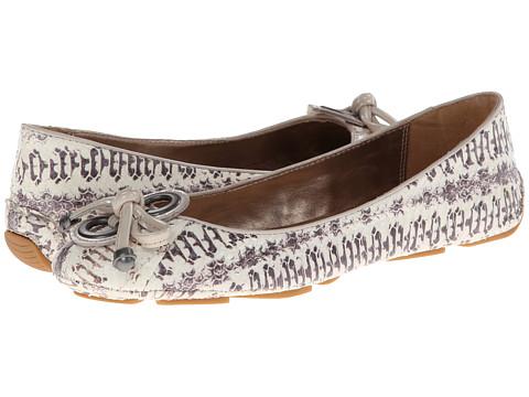 Elie Tahari - Robin (Sand/White) Women's Flat Shoes