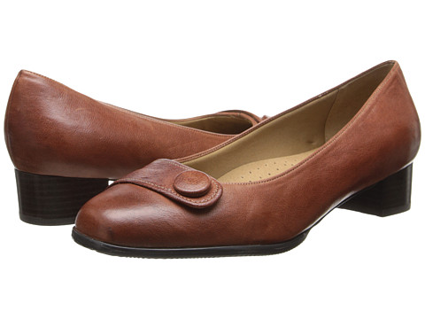 Trotters - Dionne (Brick) Women's Shoes