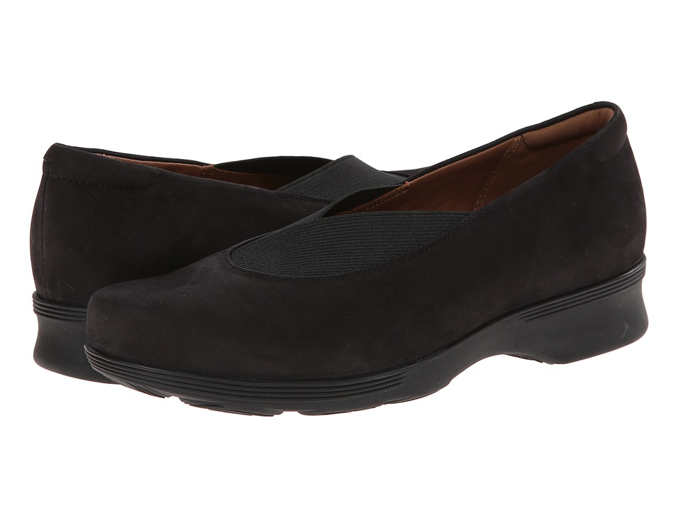 Clarks - Aubria Fay (Black Nubuck) Women's Flat Shoes