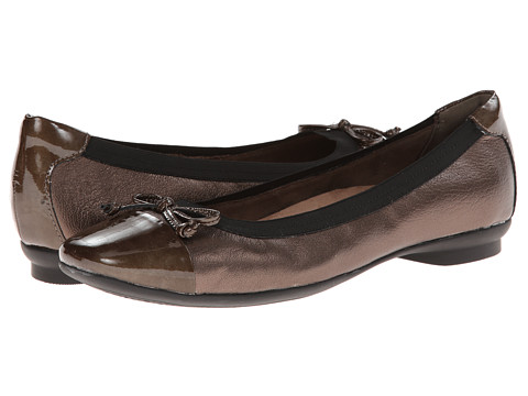 Clarks - Candra Glow (Bronze Leather) Women's Dress Flat Shoes