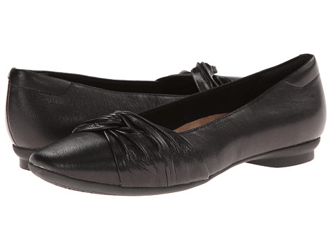 Clarks - Candra Gleam (Black Leather) Women's Slip-on Dress Shoes