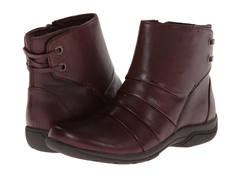 Clarks - Christine Tilt (Burgundy Leather) Women's Boots