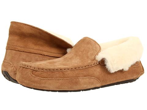 UGG - Grantt (Chestnut Suede) Men's Slip on Shoes