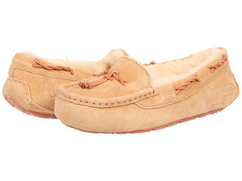 UGG - Brett (Desert Sand) Women's Flat Shoes