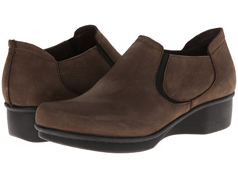 Dansko - Lynn (Brown Nubuck) Women's Shoes
