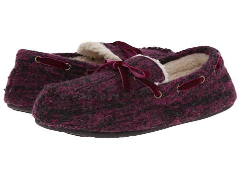 Acorn - Dorm Moc (Sangria) Women's Moccasin Shoes