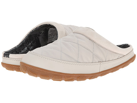 Columbia - Packed Out II Omni Heat (Fawn/White) Women's Shoes