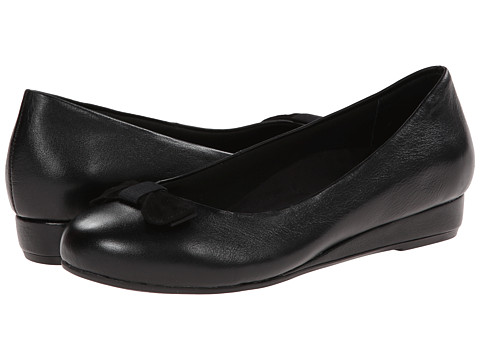 VIONIC with Orthaheel Technology - Lydia Low Wedge Pump (Black Leather) Women's Shoes