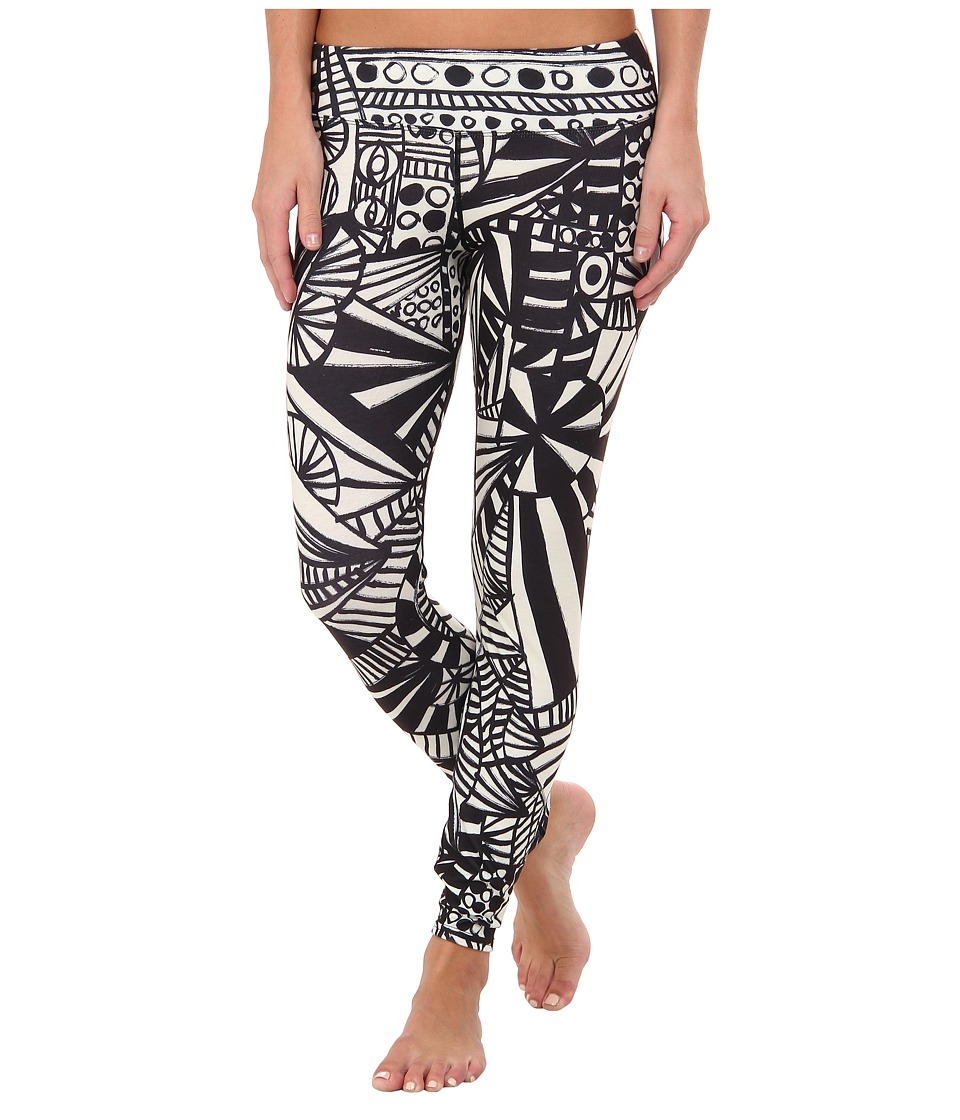 Hot Chillys - MTF Sublimated Print Tight (Carnival) Women's Outerwear