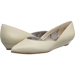 Seychelles Skip A Beat (Off White) Women's Flat Shoes