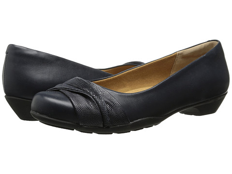 Softspots - Paley (Navy/Navy) Women's Flat Shoes