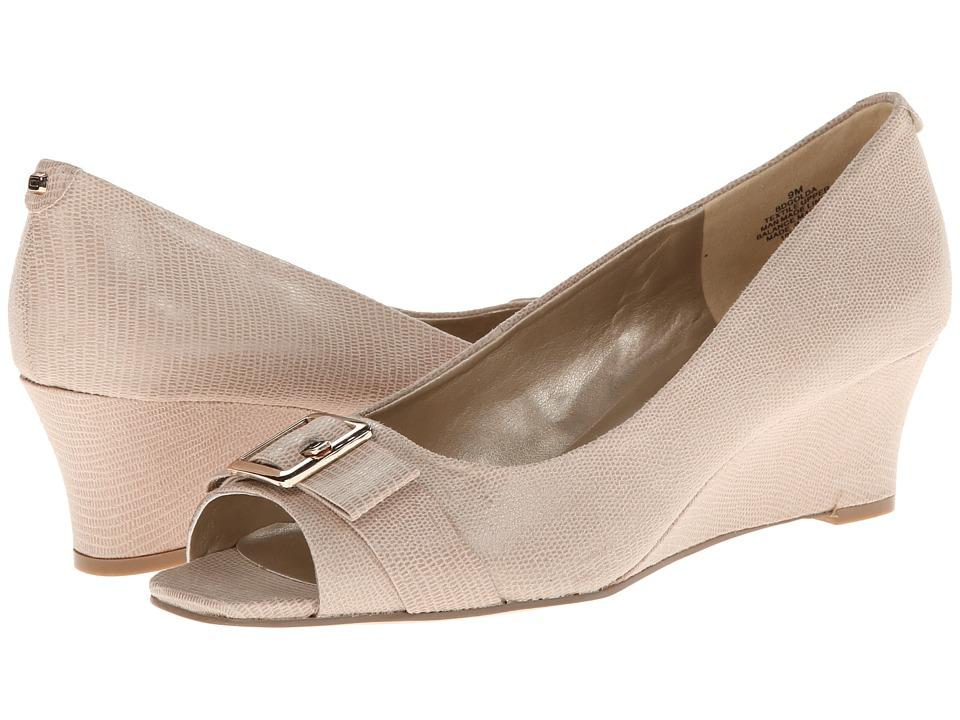 Bandolino - Golda (Natural Fabric) Women's Wedge Shoes