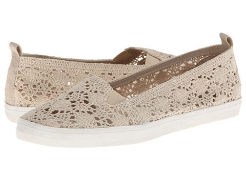 Esprit - Cardinal (Natural Crochet) Women's Slip on Shoes