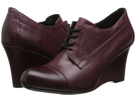 Born - Daci - Crown Collection (Burgundy Veg) Women's Wedge Shoes